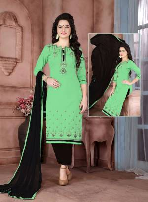 For Your Casual Wear Here Is A Simple Dress Material In Green colored Top Paired With Black Colored Bottom And Dupatta. Its Top Is Fabricated On Cambric Cotton Paired With Cotton Bottom And Chiffon Dupatta. Get This Stitched As Per Your Desired Fit And Comfort.