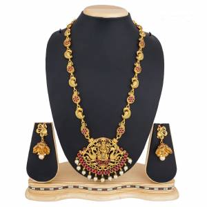 Add This Pretty Heavy Necklace Set In Golden Color. This Lovely Set Comes A Pair Of Earrings . It Can Be Paired With Any Colored Traditional Attire. Buy Now.