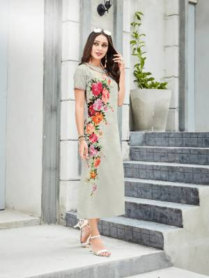 Flaunt Your Rich And Elegant Taste Wearing This Readymade Kurti In Pale Grey Color Fabricated On Linen. It Is Available In All Sizes Which Ensures Superb Comfort All Day Long.