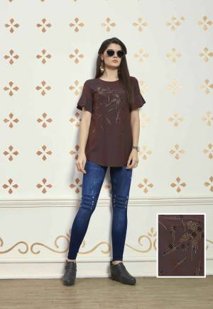 Rich And Elegant Looking Shade Is Here With This Readymade Brown Colored Top Fabricated On Muslin Cotton. This Top Is Available In All Sizes And Suitable For Regular Or Semi-Casuals.