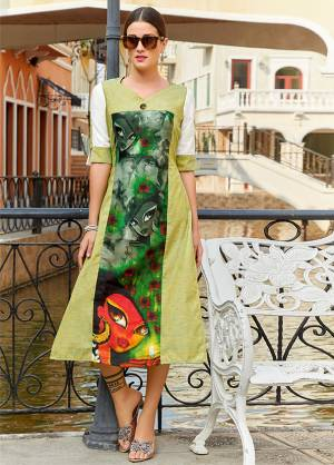 Add some Casuals With This Reaydmade Kurti In Green Color Fabricated On Poly Linen. This Kurti Is Beautified With Prints And Easy To Carry All Day Long.