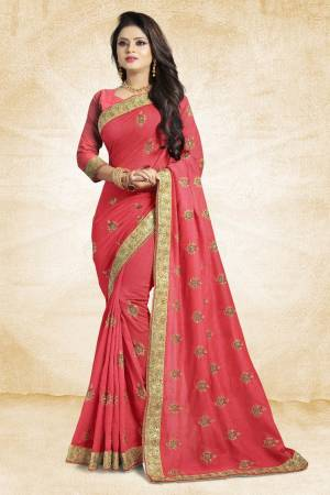 This Festive Season, Grab This Designer Saree In Pink Color Paired?With Pink Colored Blouse. This Saree And Blouse Are Silk Based Beautified With heavy Attractive Embroidery
