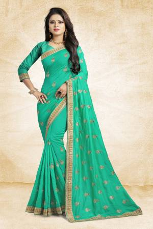 Grab This Designer Silk Based Saree In Sea Green Color Paired With Sea Green Colored Blouse. This Saree And Blouse Are Silk Fabricated Beautified With Jari Embroidery And Stone Work. Buy Now.