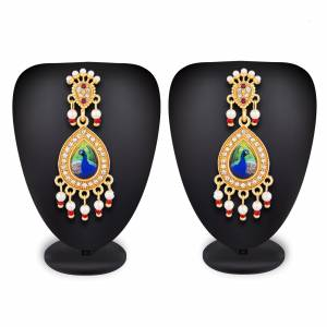 New And Unique Printed Patterned Designer Earrings Set Is Here To Pair Up?With Your Heavy ethnic Attire. You Can Pair This With Either Same Or Any contrasting Colored Attire. Buy Now.
