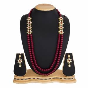 Grab This Very Pretty Pearl Necklace Set In Maroon Color Beautified?With Stone Work. You Can Pair This Up With Same Or Any Contrasting Colored Traditional Attire. Buy Now