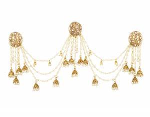 This Pretty Earring Will Give A More Trendy And Unique Look To Your Attire. It Is Light In Weight And Easy To Carry Throughout The Gala.