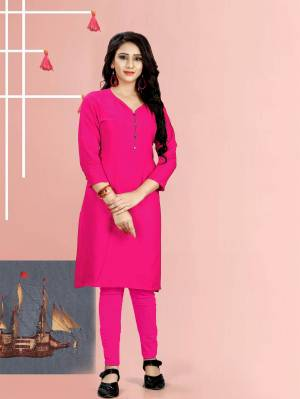 For Your Casuals Or Office Wear. Grab This Pretty Readymade Plain Kurti Fabricated On Rayon. This Kurti Is Light In Weight And Easy To Carry All Day Long. Buy Now.
