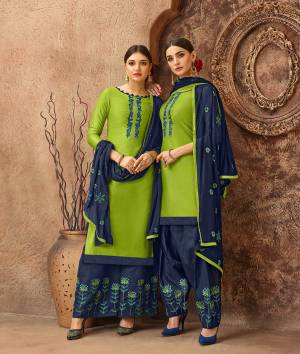 Beat The Heat This Summer With These Cotton Based Dress Material. Grab This Dress Material In Green Colored Top Paired With Contrasting Navy Blue Colored Bottom And Dupatta. Its Top And Bottom are Cotton Based Paired With Chiffon Fabricated Dupatta. Buy Now.