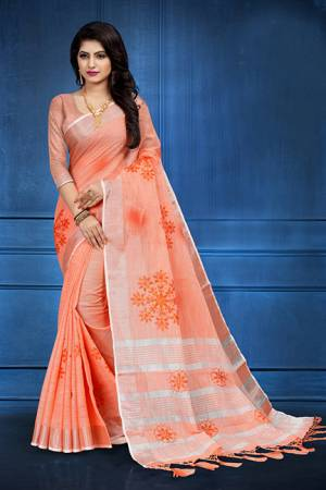 Add This Pretty Saree For your Semi-Casual Wear With Floral Prints All Over. This Saree And Blouse Are Fabricated On Linen Which Ensures Superb Comfort All Day Long
