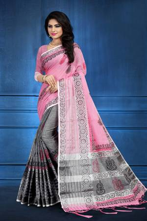 Grab This Pretty Printed Saree For Your Semi-Casuals. This Saree?And Blouse Are Fabricated On Linen Beautified With Flaoral Prints All Over It, This Saree Is Light In Weight And Easy To Carry All Day Long