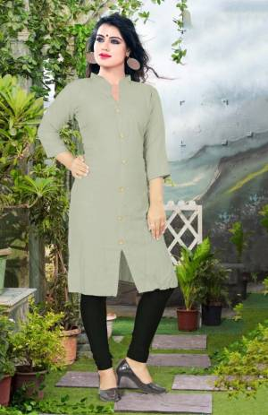 Add Some Casuals With This Plain Readymade Kurti In Pastel Green Color Fabricated On Cotton. This Kurti Is Light Weight, Soft Towards Skin, Durable And Also Available In All Regular Sizes, Buy This Simple Kurti Now.