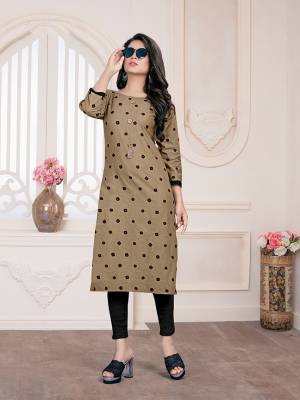Rich And Elegant Looking Readymade Kurti IS Here In Beige Color Fabricated On Cotton. It Is Beautified With Pretty simple Prints All Over It.