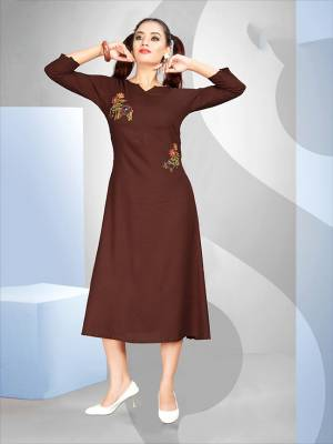 Here Is A Pretty Girly Look Readymade Kurti In Brown Color Fabricated On Rayon. It Is Beautiifed with Pretty Resham Work. Also It Is Light Weight , Easy To Carry And Durable.
