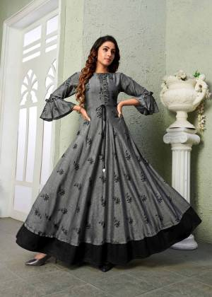 Rich And Elegant Looking Designer Readymade Printed Gown IS Here In Gery Color. It Is Fabricated on Muslin Which Is Soft Towards Skin And Esnures Superb Comfort All Day Long.
