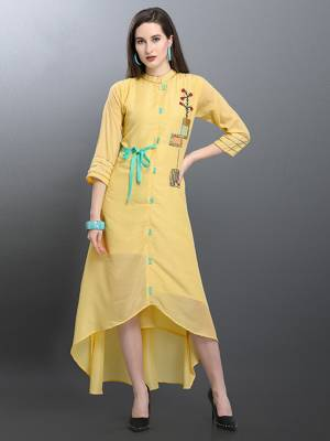 Beautiful High Low Patterned Designer Readymade Kurti Is Here In Light Yellow Color Fabricated On Muslin. Its Pretty Color And Soft Fabric Will Earn You Lots Of Compliments From Onlookers.