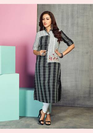 Simple And Elegant Looking Readymade Designer Kurti Is Here Black And White Color Fabricated On Handloom Cotton. It Is Beautified With Prints And Thread Work. Buy This Kurti Now.
