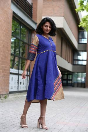 For Your Semi-Casuals, Grab This Readymade Kurti In Tunic Pattern In Blue Color. It Is Fabricated On Khadi Cotton And Avialble In All Regular Sizes. Buy Now.