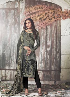 Enhance Your Personality In This Rich And Elegant Looking Printed Suit In Black & Cream Color. This Dress Material Is Fabricated On Crepe Paired With Georgette Fabricated Dupatta. Buy Now.