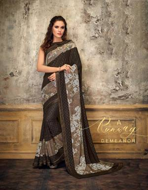 Hold up your runway-like demeanor in high spirits in this copper-brown saree and exude a model-like appeal . Add oxidized jewels to give a boho-touch to your look.
