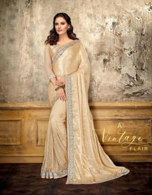 Give your look a vintage flair and flaunt that classic appeal like never before in this statement saree. Pair with antique gold jewels to complete the look.