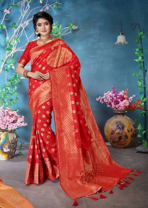 Adorn The Pretty Angelic Look Wearing This Designer Silk Based Saree In Red Color. This Saree and Blouse Are Fabricated On Banarasi Art Silk Beautified With Weave.