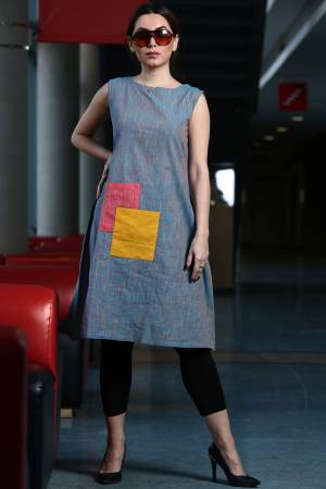Add Some Casuals With This Readymade Kurti In Grey Color Paired With Black colored Bottom. This Kurti Is Cotton Based Paired With Khadi Fabricated Bottom. It Is Available In All Regular Sizes, choose As Per Your Desired Fit And Comfort.