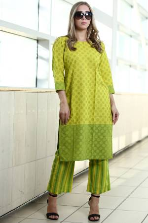 Grab This Readymade Pair Of Kurti With Bottom For Your Casual Or Semi-Casual Wear. This Readymade Kurti Is Fabricated On Organic Cotton Paired With Readymade Bottom Fabricated On Khadi. Buy This Pair Now.