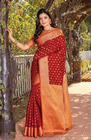 For A Royal Look, Grab This Designer Silk Based Saree In Maroon Color. This Saree Is Fabricated On Cotton Silk Paired With Jacquard Silk Fabricated Blouse.