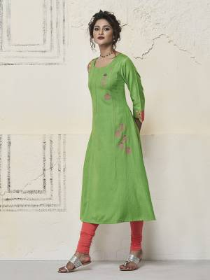 Celebrate This Festive Season With Beauty And Comfort Wearing This Pretty Readymade Kurti In Green Color Fabricated On Rayon. It Has Beautiful Pattern Which Will Earn You Lots Of Compliments From Onlookers.