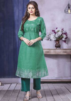Grab This Pretty Readymade Kurti In Green Color Fabricated On Art Silk. This Kurti Is Light Weight And Easy To Carry All Day Long.