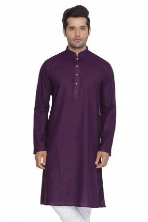 Grab This Amazing Readymade Kurtas For Men Fabricated On Cotton. This Kurta Is Suitable For Festive Wear Or Any Wedding Functions. It Is Light In Weight and Can Be Paired With Any Kind Of Bottom Like Chudidar, Pyjama Or Even Denims. Its Fabric Is Soft Towards Skin And Avialable In All Sizes. Buy Now.