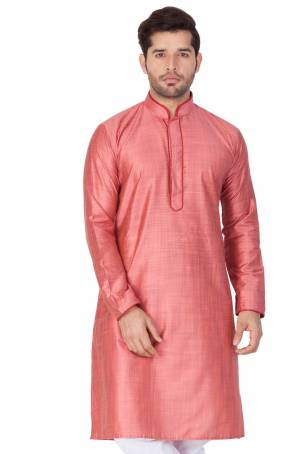 Grab This Amazing Readymade Kurtas For Men Fabricated On Cotton Silk.?This Kurta Is Suitable For Festive Wear Or Any Wedding Functions. It Is Light In Weight and Can Be Paired With Any Kind Of Bottom Like Chudidar, Pyjama Or Even Denims. Its Fabric Is Soft Towards Skin And Avialable In All Sizes. Buy Now.