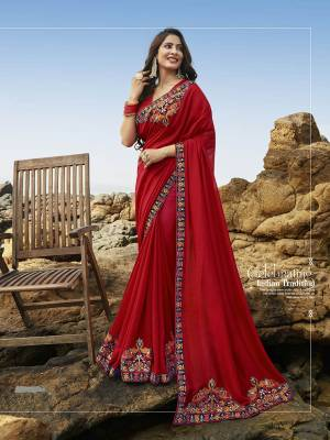 Go With The Pretty Attractive Shade In Red Colored Saree Paired With Red Colored Blouse. This Saree Is Fabricated Rich Soft Art Silk Beautified With Attractive Detailed Embroidery. Buy This Saree Now.