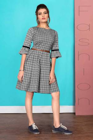 For Your Semi-Casuals, Grab This Readymade Kurti In Grey Color Fabricated On Cotton. It Is Beautified With Checks Prints And Its Lovely Tunic Pattern Will Earn You Lots Of Compliments From Onlookers.