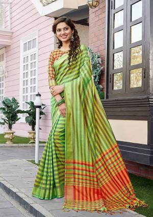 Go Colorful With This Pretty Lining Printed Saree. This Saree Is Fabricated on Cotton Silk Paired With Art Silk Fabricated Blouse. Its Fabric Is Light Weight , Durable And Gives A Rich Look To Your Personality.
