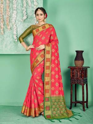 Celebrate This Festive Season Wearing This Saree In Pink Color Paired With Contrasting Green Colored Blouse. This Saree And Blouse Are Fabricated On Banarasi Art Silk Beautified With Weave. Buy Now.