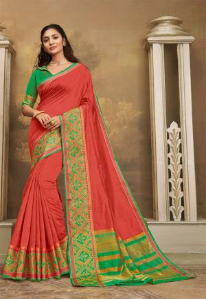 Here IS A Pretty Elegant Looking Saree In Old Rose Pink Color Paired With Contrasting Green Colored Blouse. This Saree And Blouse Are Fabricated On Khadi Silk Which Also Gives A Rich Look To Your Personality.