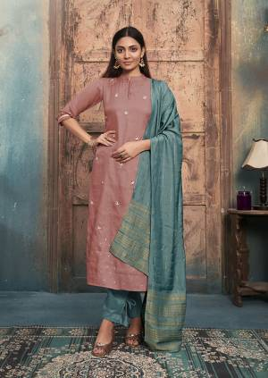 Be Ready For This Festive Season With This Readymade Straight Kurti In Dusty Pink Color Paired With Blue Colored Dupatta. This Kurti Is Satin Silk Based Paired With Viscose Silk Dupatta.