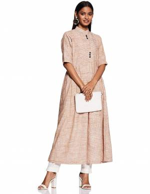 Grab This Pretty Long Kurti In Light Peach Color Fabricated On Khadi. This Readymade Kurti Is Available In All Regular Sizes And Also It Is Durable, Light Weight and Easy To Carry All Day Long.
