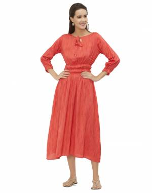 Flaunt your Rich And Elegant Taste Wearing This Readymade Kurti In Orange Color Fabricated On Rayon. Its Rich Fabric And Color Will Earn You Lots Of Compliments From Onlookers.