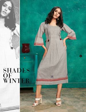 Here Is An Elegant Looking Kurti In Grey Color Fabricated On Cotton. This Readymade Kurti Is Light In Weight And Can Be Styled In Multiple Ways As Per Occasion.