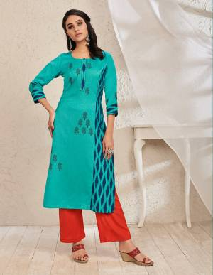 Here Is An Elegant Looking Kurti In Blue Color Fabricated On Rayon Cotton. This Readymade Kurti Is Light In Weight And Can Be Styled In Multiple Ways As Per Occasion.
