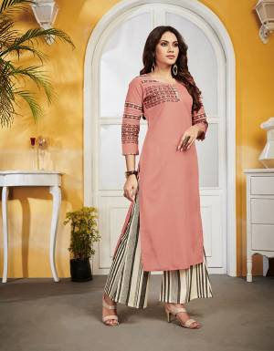 Grab This Pretty Readymade Kurti For Your Casual Or Semi-Casual Wear In Dusty Pink Color Fabricated On Linen. This Pretty Kurti Is Light Weight, Durable And Easy To Carry All Day Long.