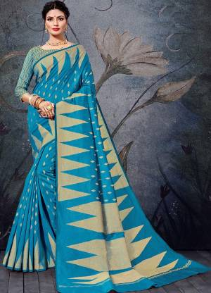 Simple And Elegant Looking Saree Is Here In Blue Color For Your Semi-Casual Wear, This Pretty Saree and Blouse Are Fabricated On Handloom Cotton Beautified With Weave. It Is Light Weight And Easy To Carry All Day Long.
