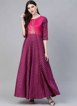 Grab This Readymade Long Kurti In Purple Color Fabricated On Poly Silk Beautified With Foil Prints. It Is Light In Weight And Easy To Carry All Day Long.