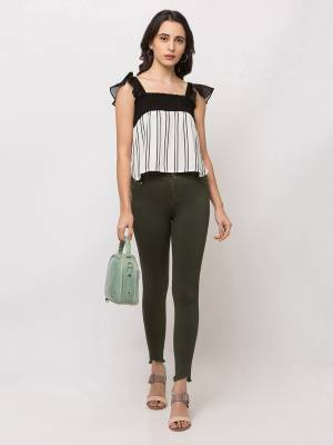 Here Is A Trendy and Pretty Readymade Crop-Top For Your College Or Outing. It Is Light In Weight And Its Fabric Ensures Superb Comfort All Day Long.