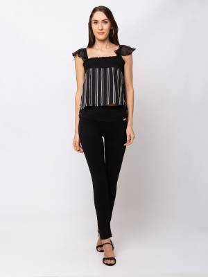 Grab This Beautiful Western Crop-Top For Your Semi-Casuals. This Pretty Top Can Be Paired With Denims, Pants Or Jeggins. Also It Is Available In All Regular Sizes. Buy Now?