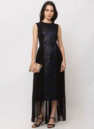 Grab This Readymade Gown In Black Color Fabricated On Jacquard. This Gown Is Light Weight And Easy to Carry Throughout The Gala.